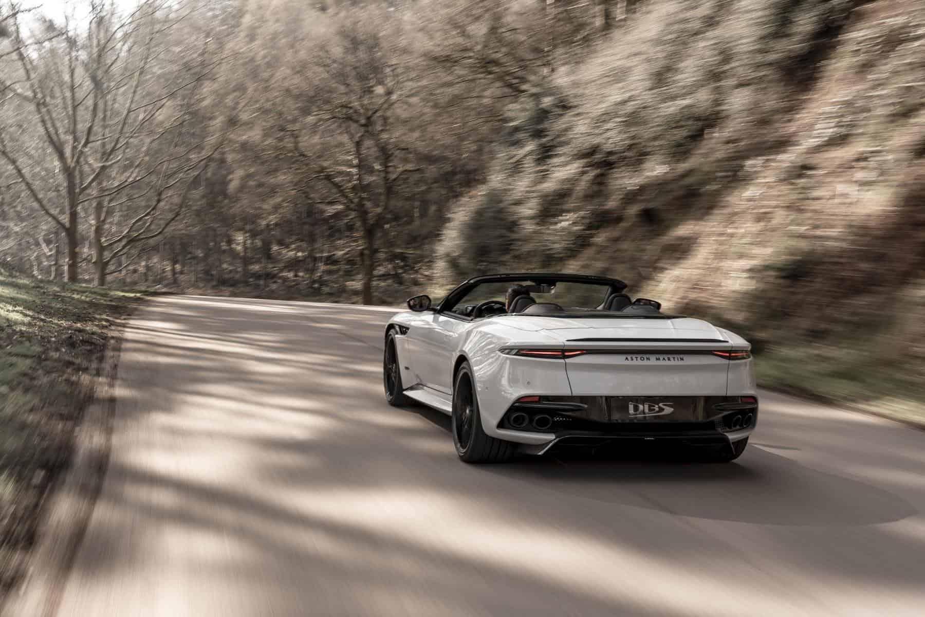 Aston Martin DBS Superleggera 9