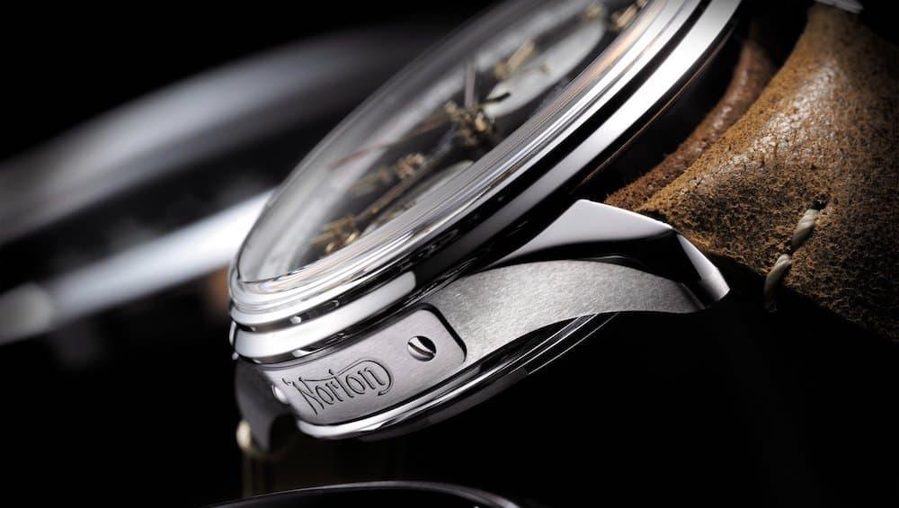 Breitling Premier B01 Chronograph 42 Norton Edition 3
