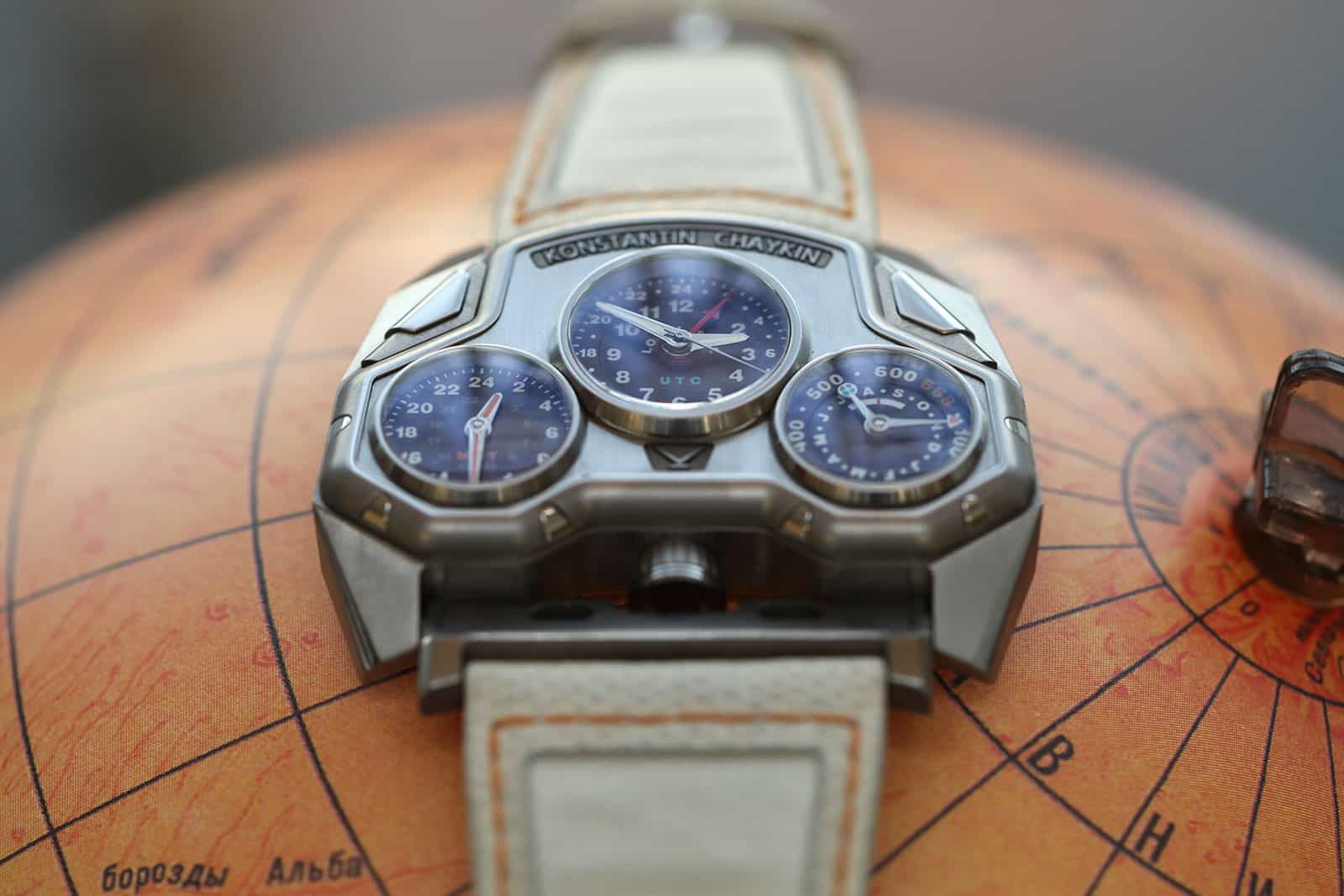 Konstantin Chaykin's Mars Conqueror Shows an Otherworldly Time and Date