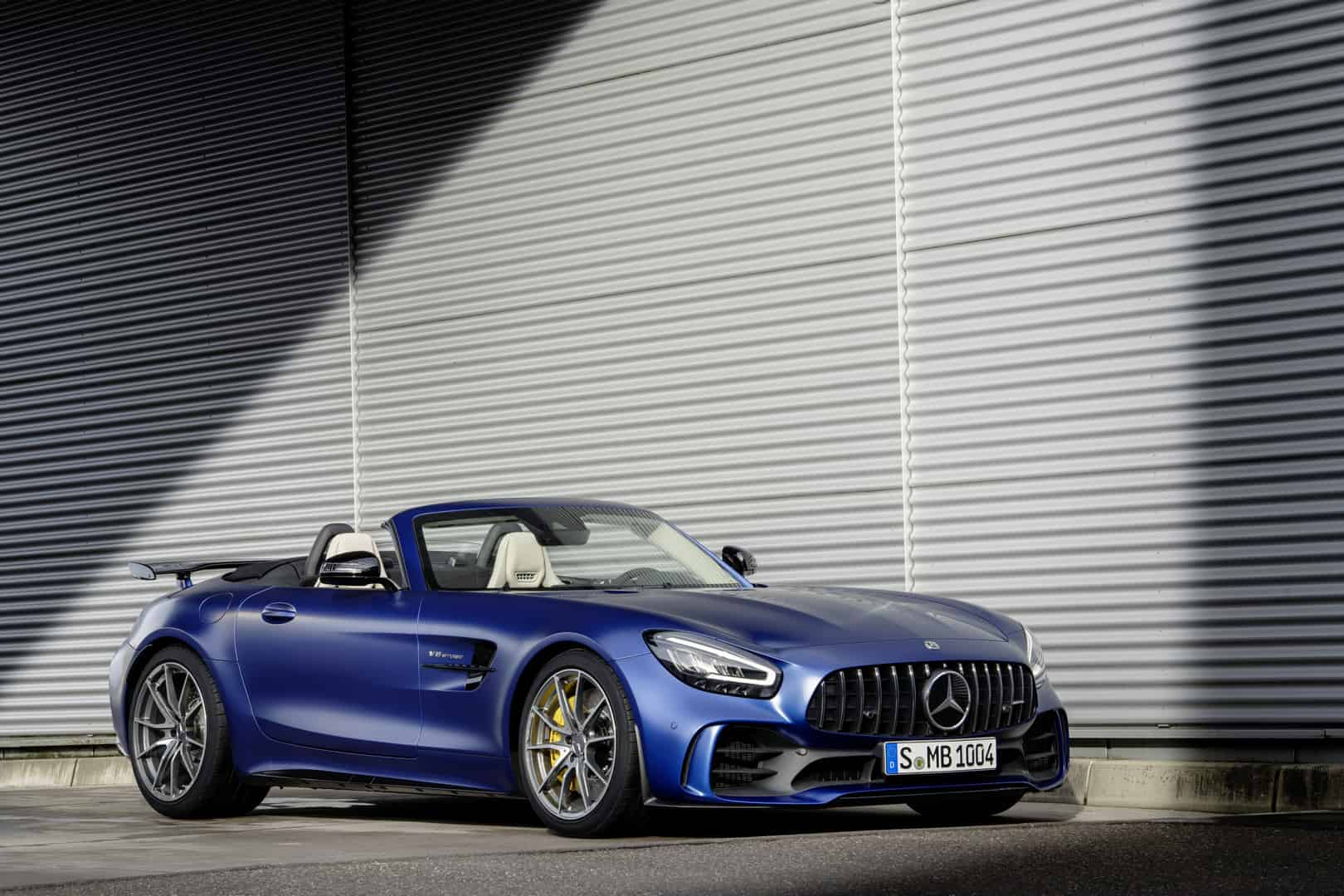 The Hardcore Mercedes-AMG GT R Goes Topless And We Totally Love It!