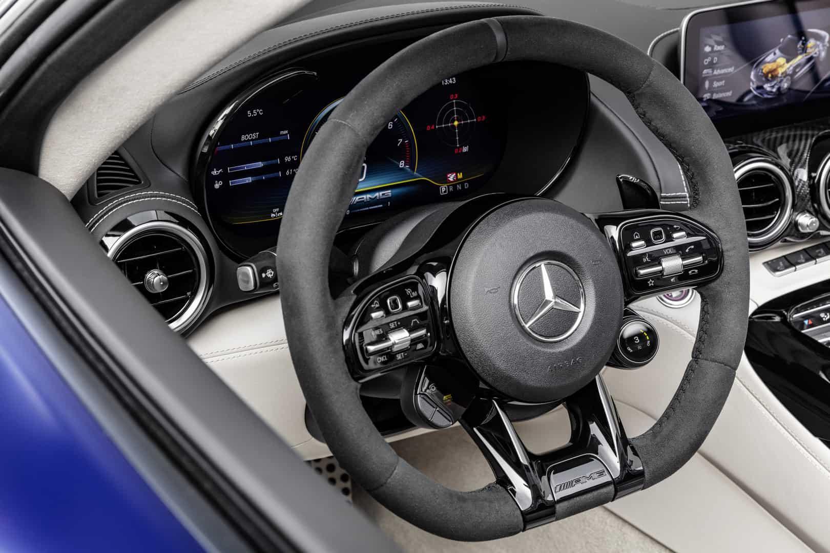Mercedes-AMG GT R Roadster 16