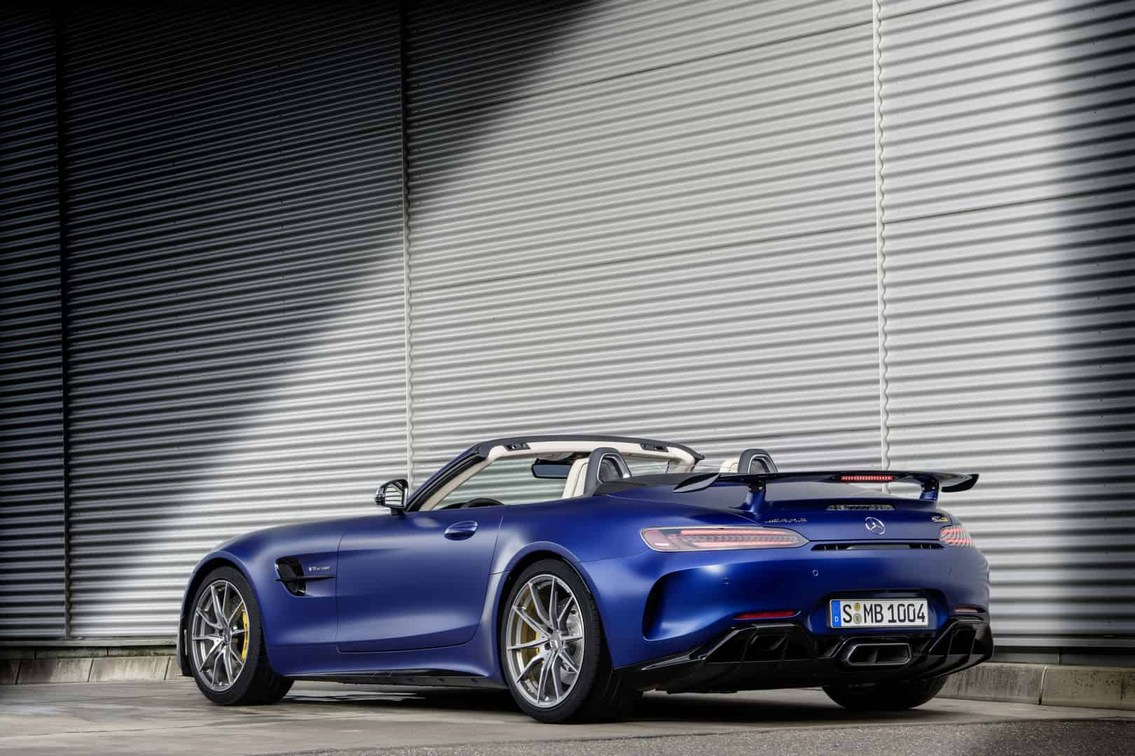 Mercedes-AMG GT R Roadster 2