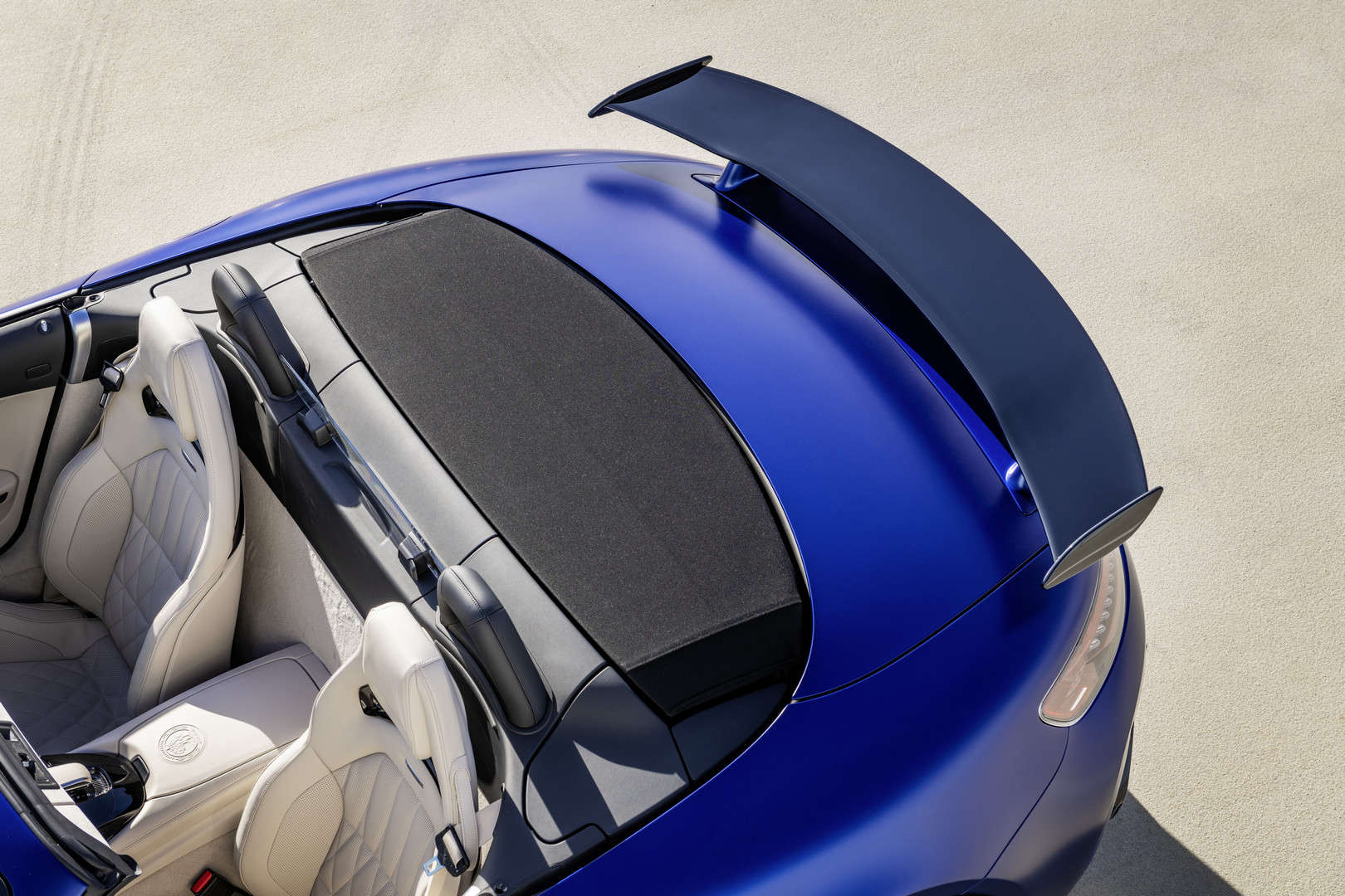 Mercedes-AMG GT R Roadster 9