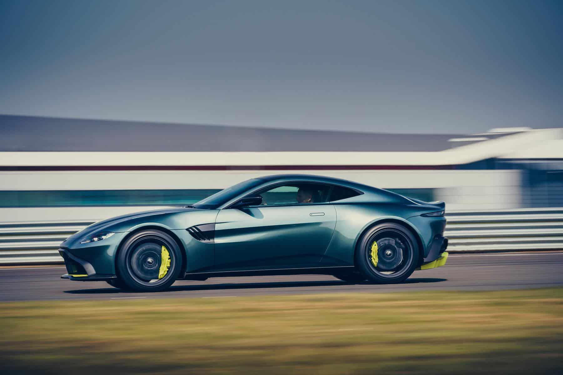 Aston Martin Vantage AMR 4