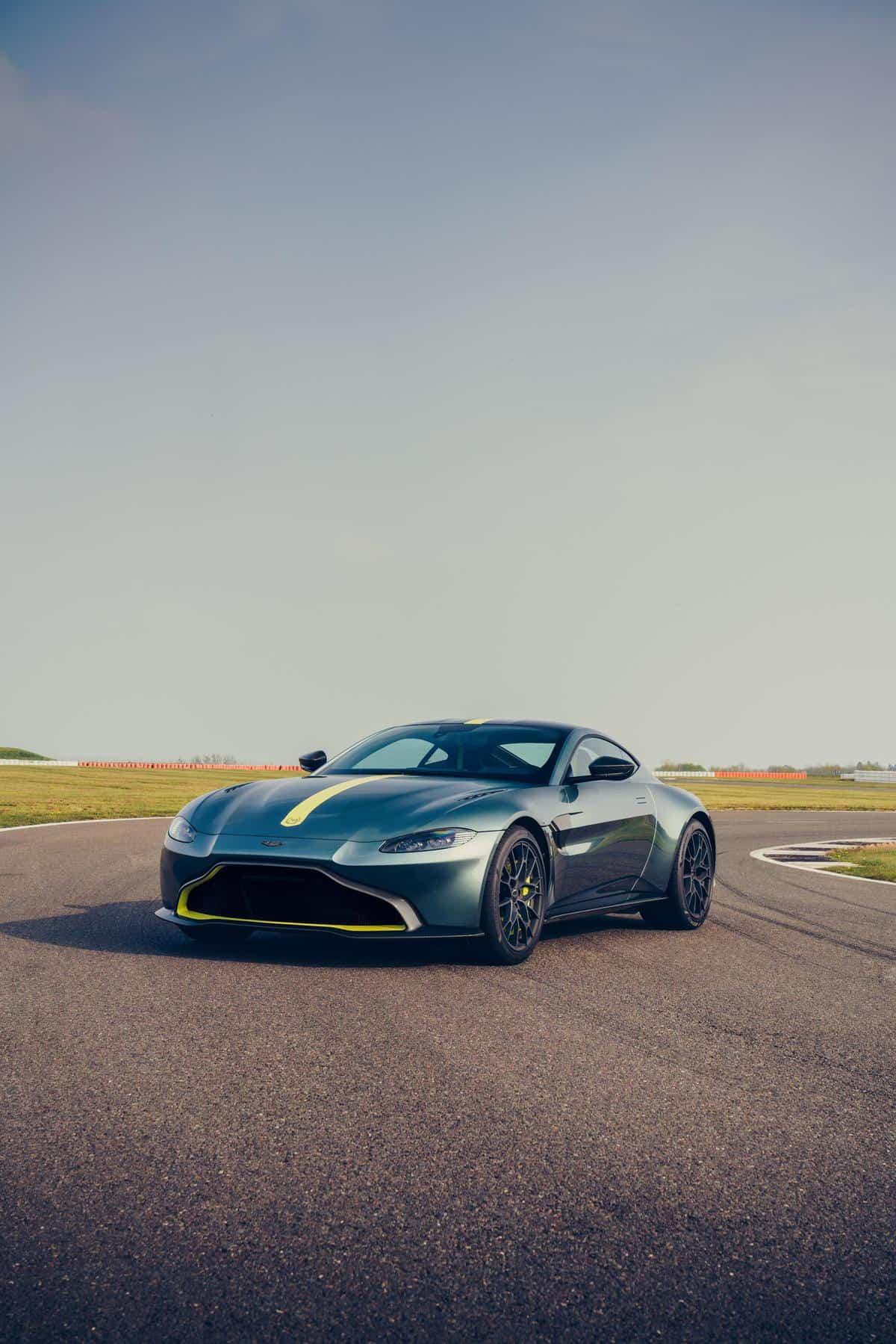 Aston Martin Vantage AMR 6