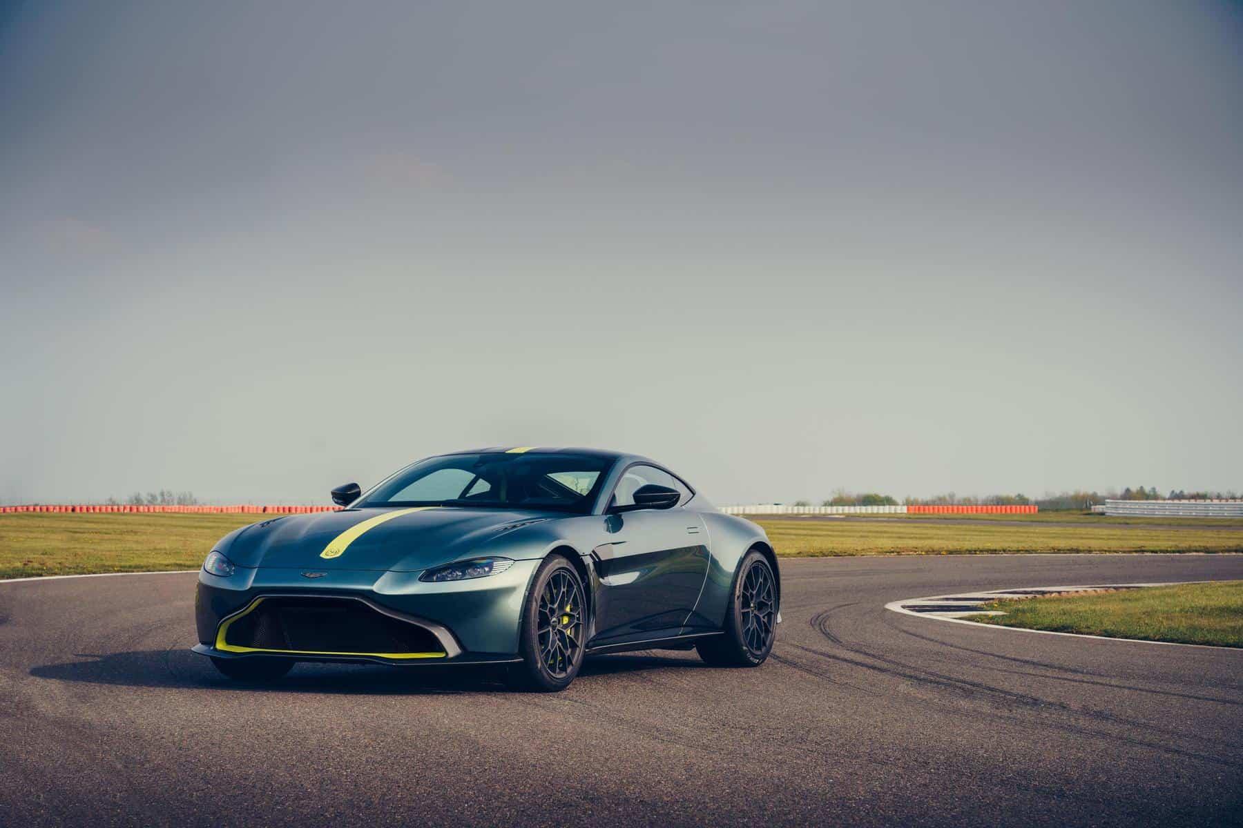 Aston Martin Vantage AMR 9