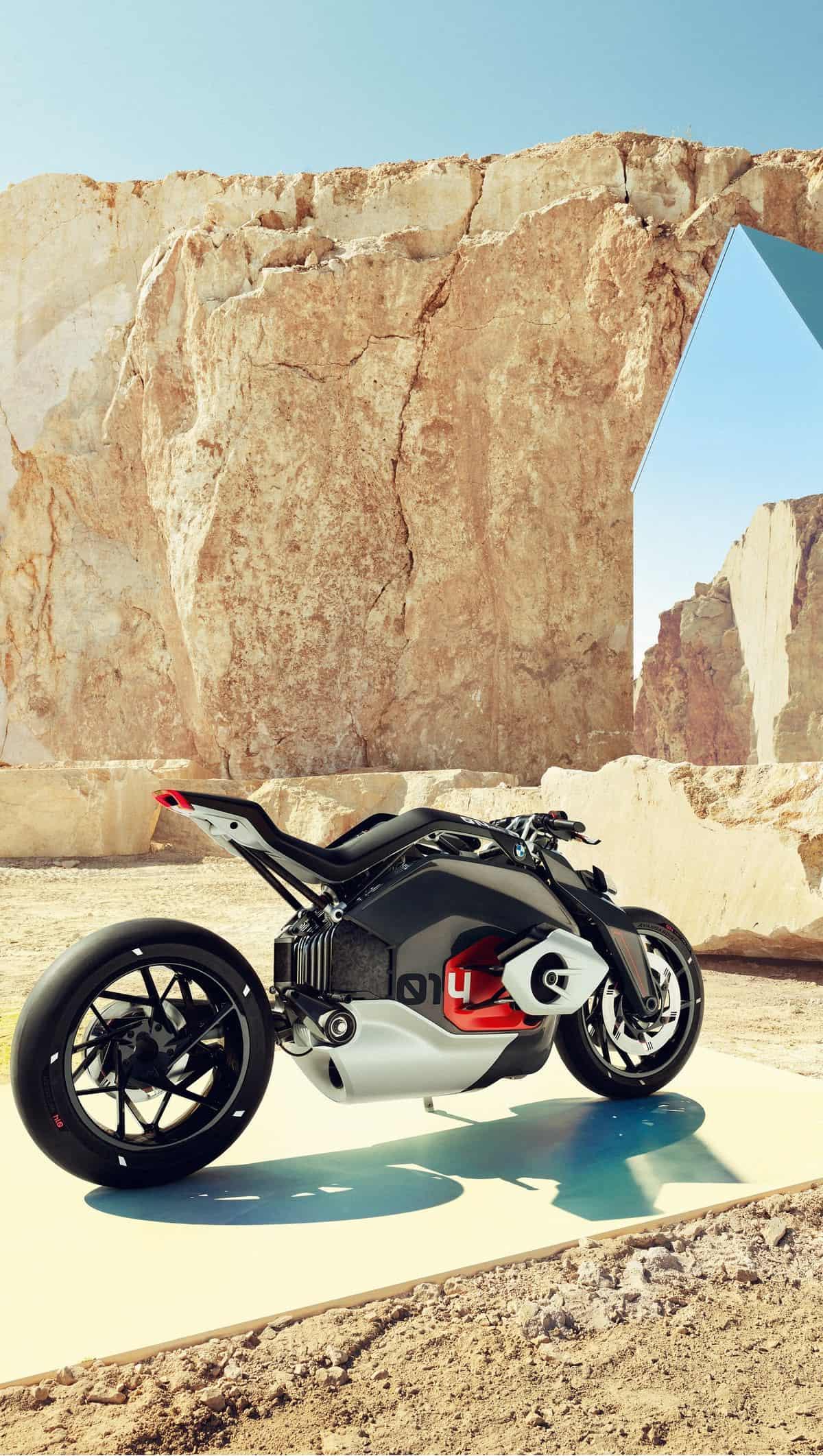 bmw vision dc roadster 14