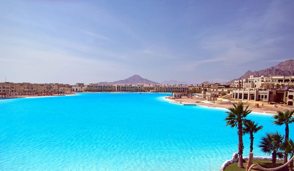 The 10 Largest Swimming Pools in the World