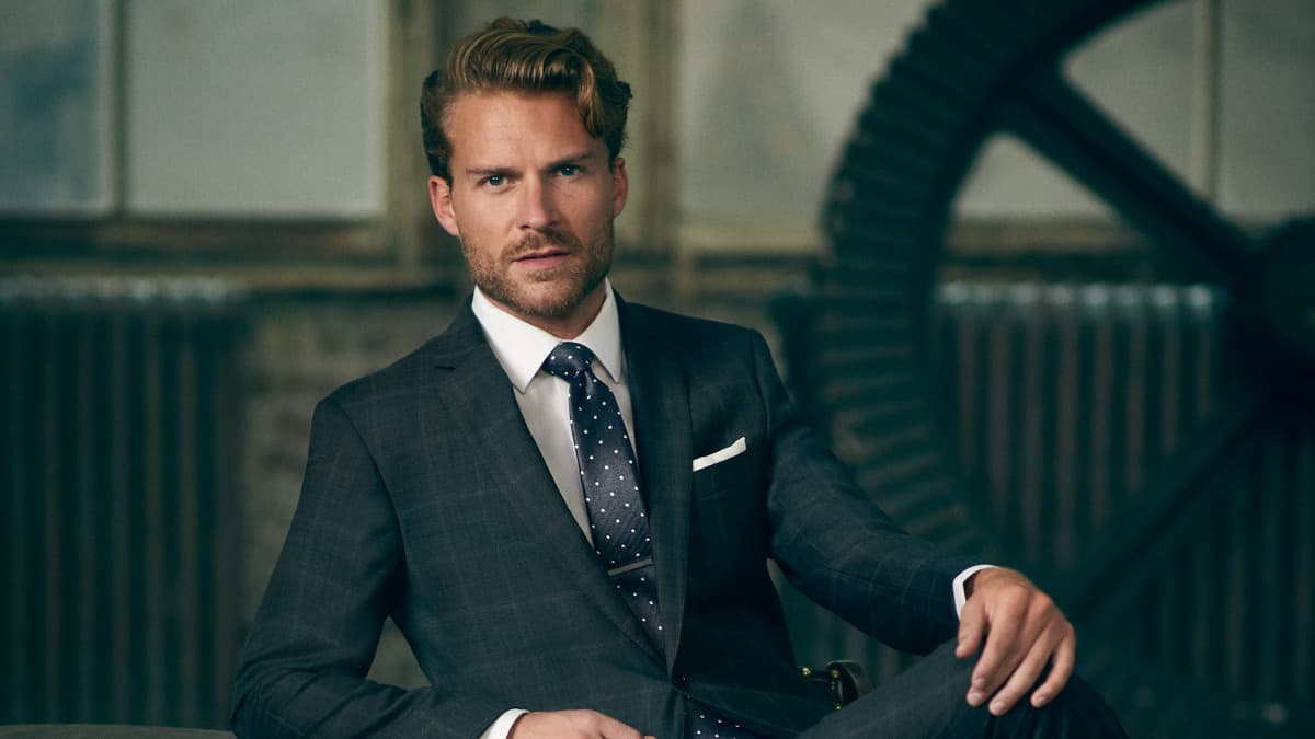 Cocktail Attire for Men: What It Really Means