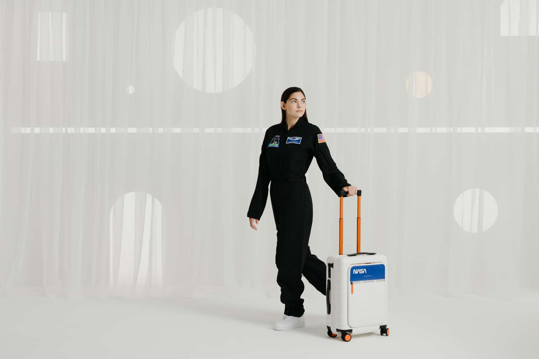 Horizn ONE zero gravity suitcase 4