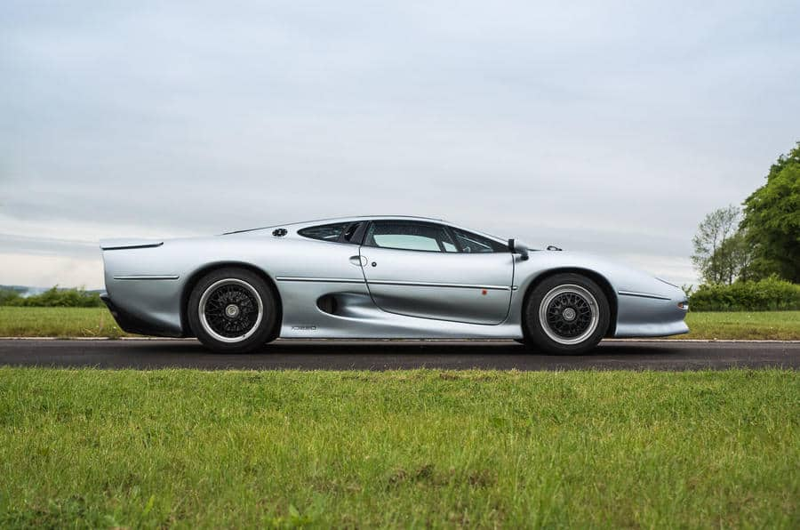 Jaguar XJ220 remains one of the fastest cars ever tested_2