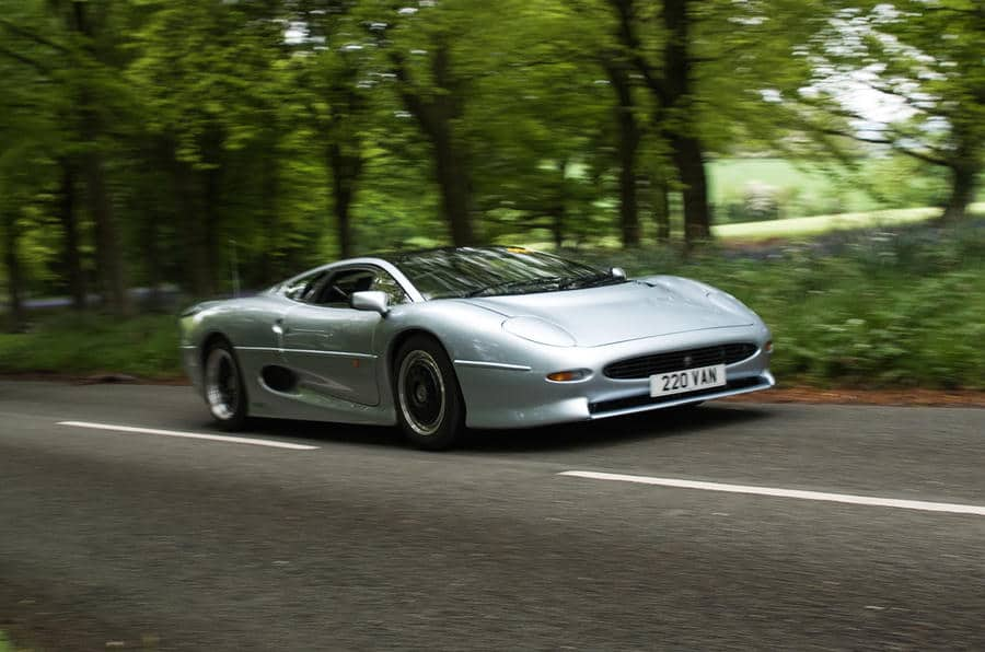 Jaguar XJ220 remains one of the fastest cars ever tested_4