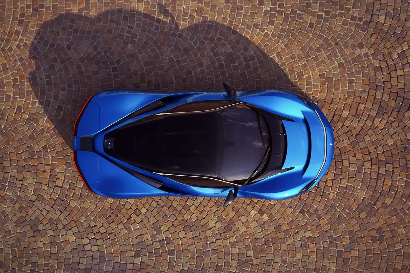 Pininfarina Battista Blu Iconica 3