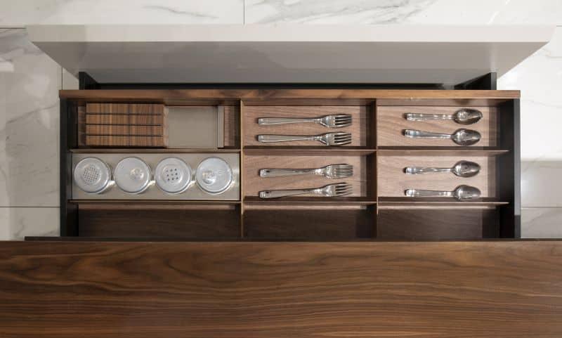 Aston Martin V888 kitchen 8