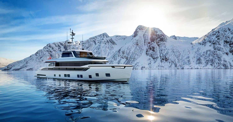 Dynamiq Global 300 Yacht 1