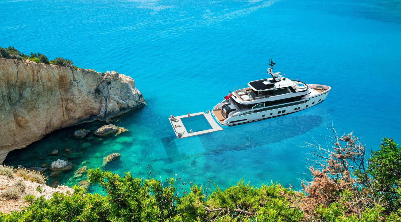 Dynamiq Global 300 Yacht 3