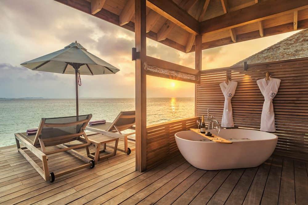 Hurawalhi Maldives 10