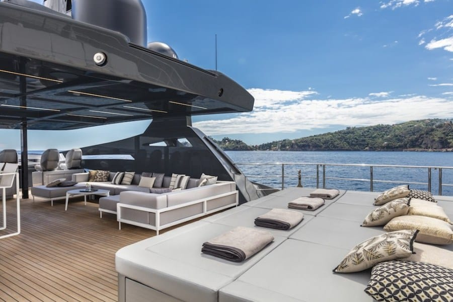 Pershing 140 Superyacht 2