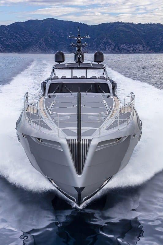 Pershing 140 Superyacht 6
