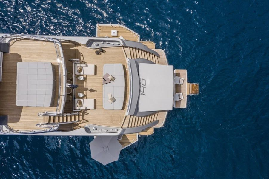 Pershing 140 Superyacht 7