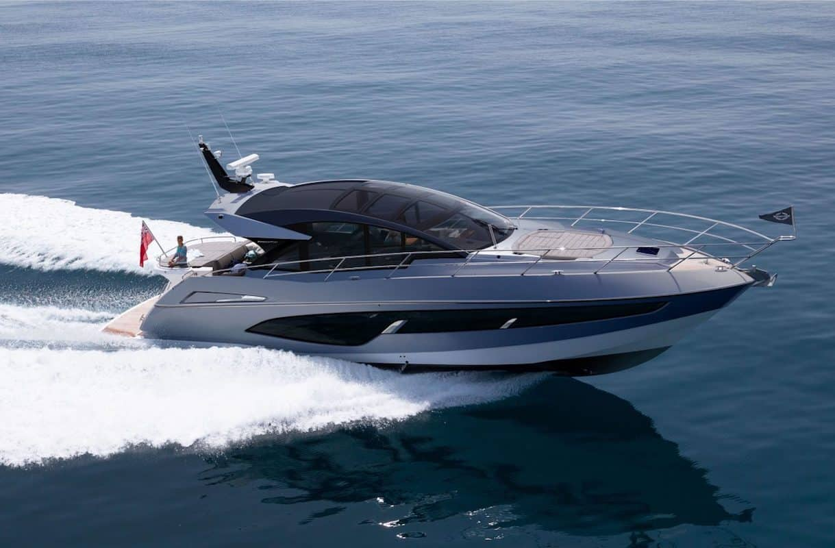 Sunseeker Unveiled the Sporty Predator 60 EVO Yacht