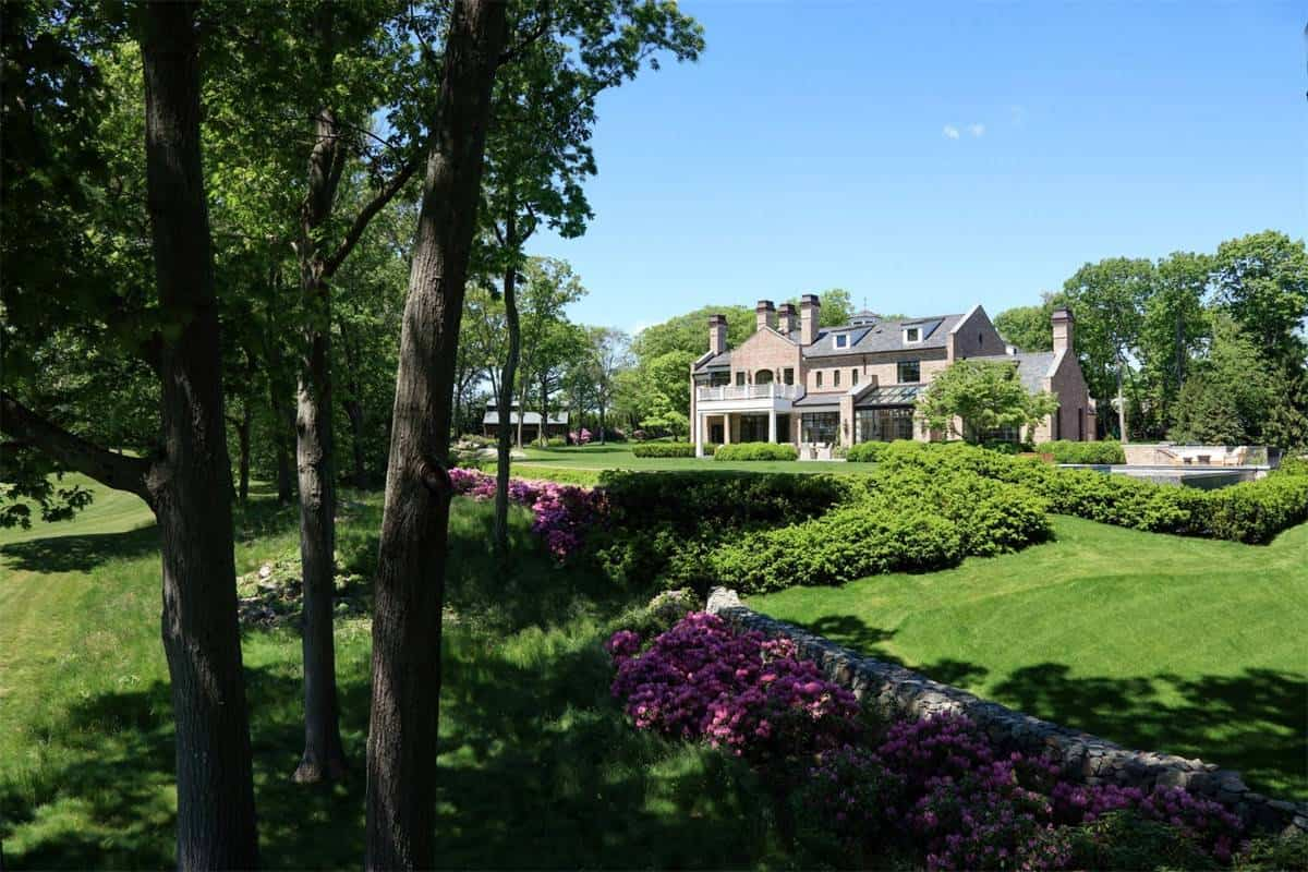 tom brady gisele bundchen massachusetts mansion 11