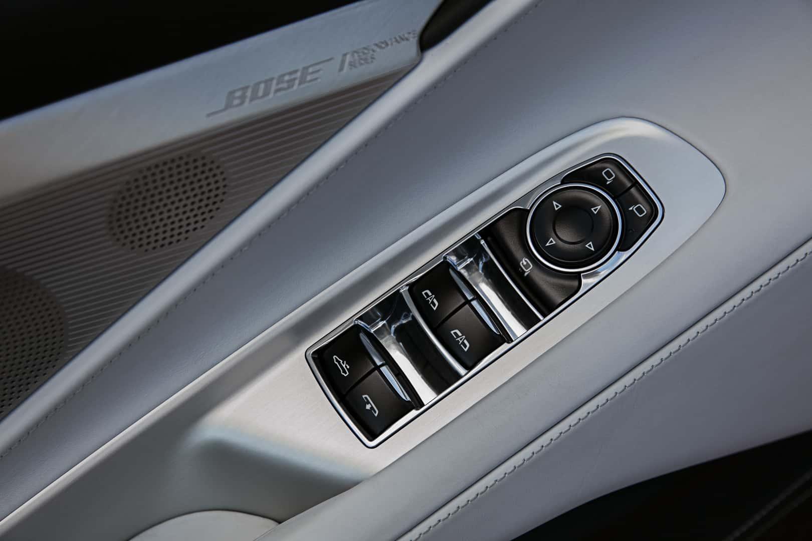 2020 Chevrolet Corvette Stingray Convertible 1