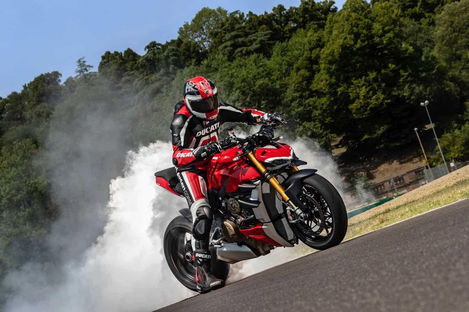 Ducati Streetfighter V4 2