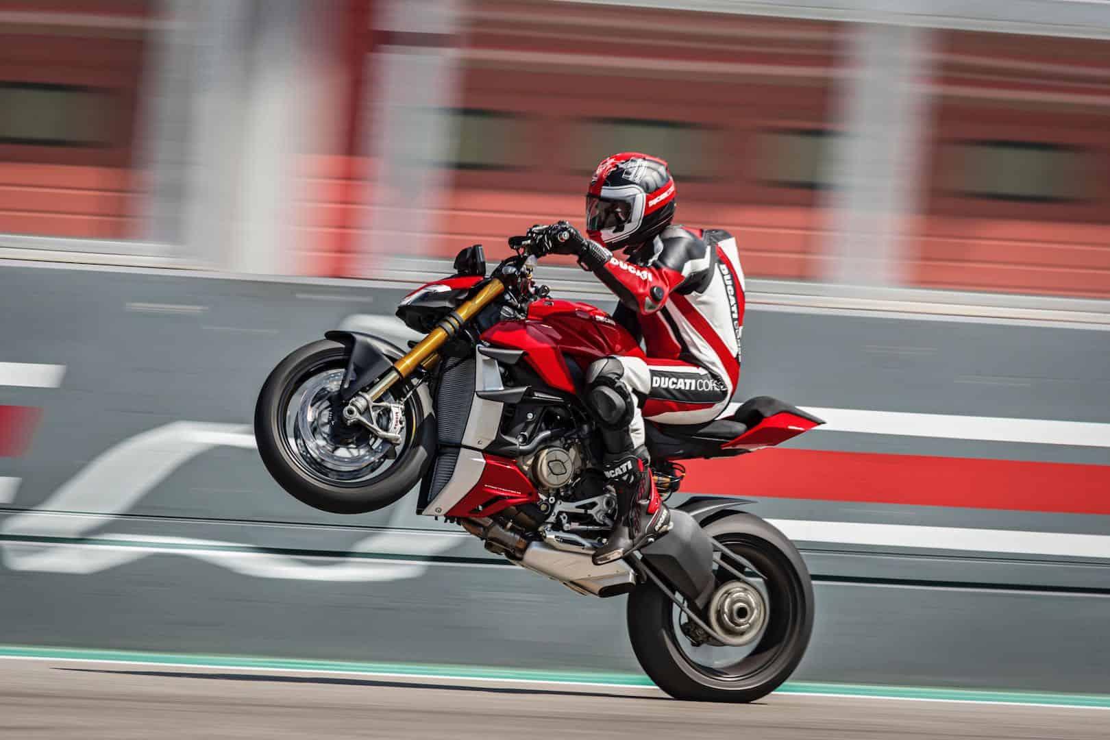 Ducati Streetfighter V4 3