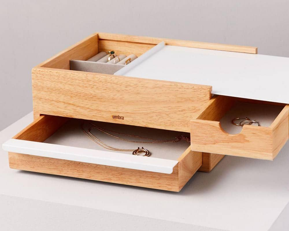 Ease Jewelry Box