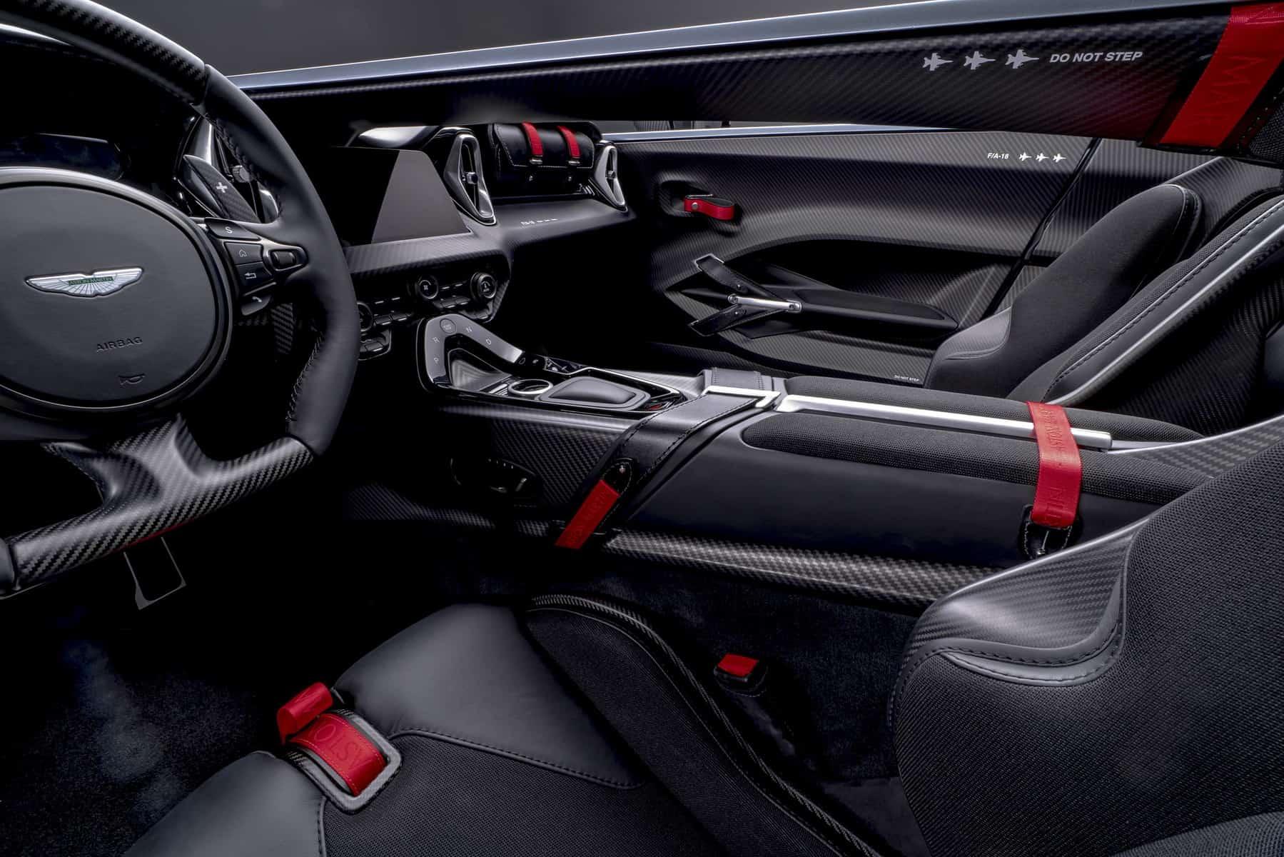 Aston Martin V12 Speedster 11