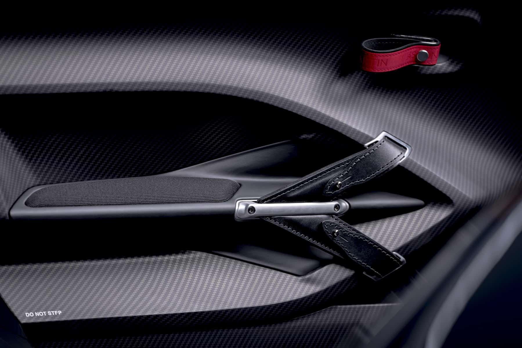 Aston Martin V12 Speedster 14