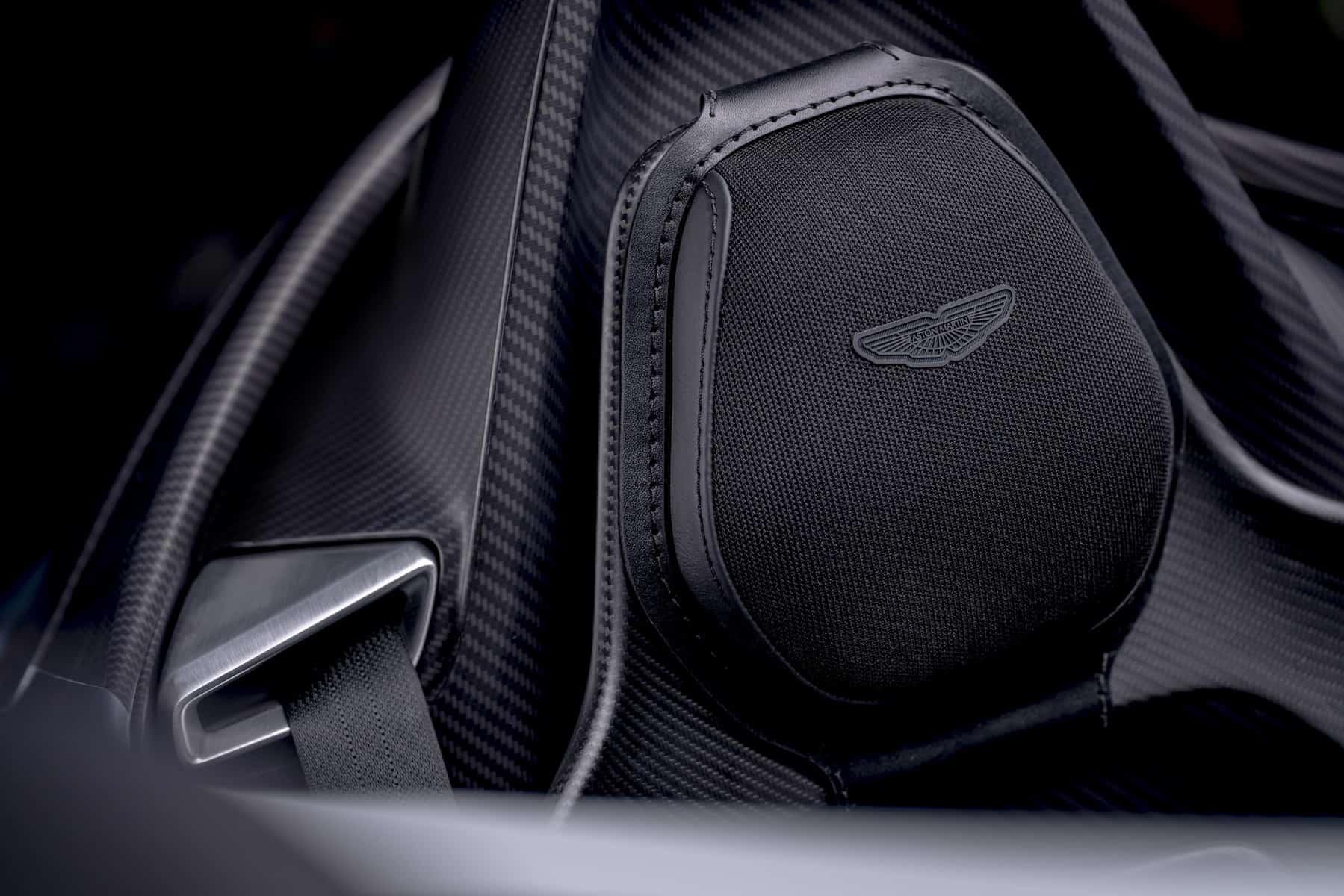 Aston Martin V12 Speedster 19