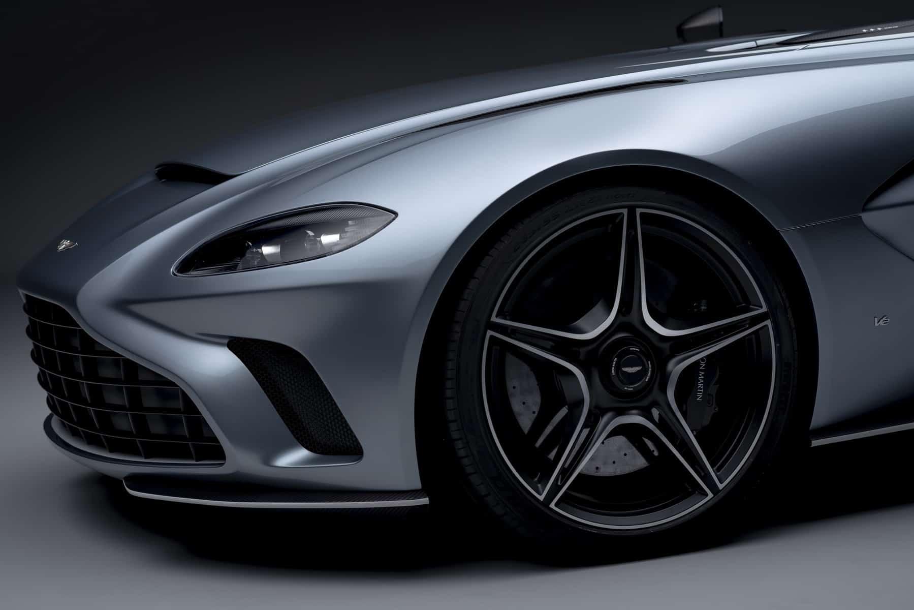 Aston Martin V12 Speedster 8