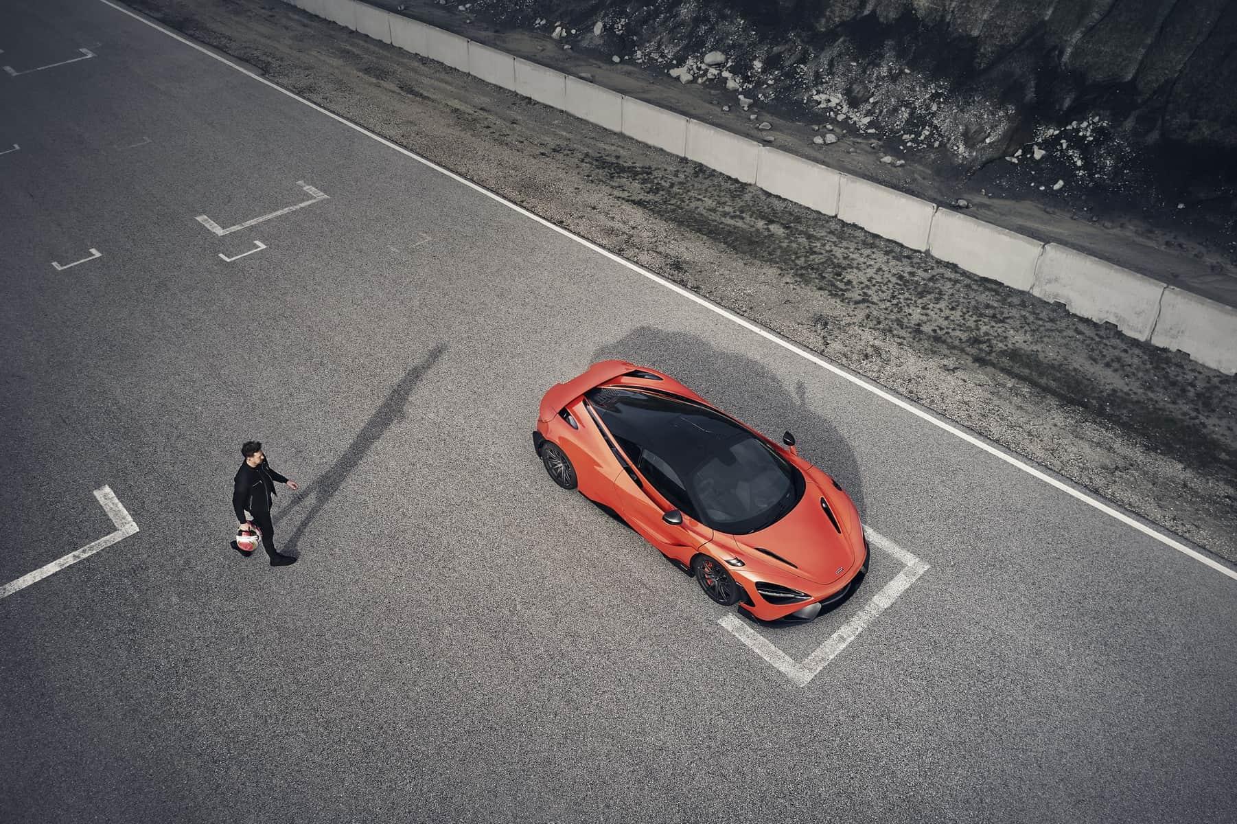 McLaren 765LT 12