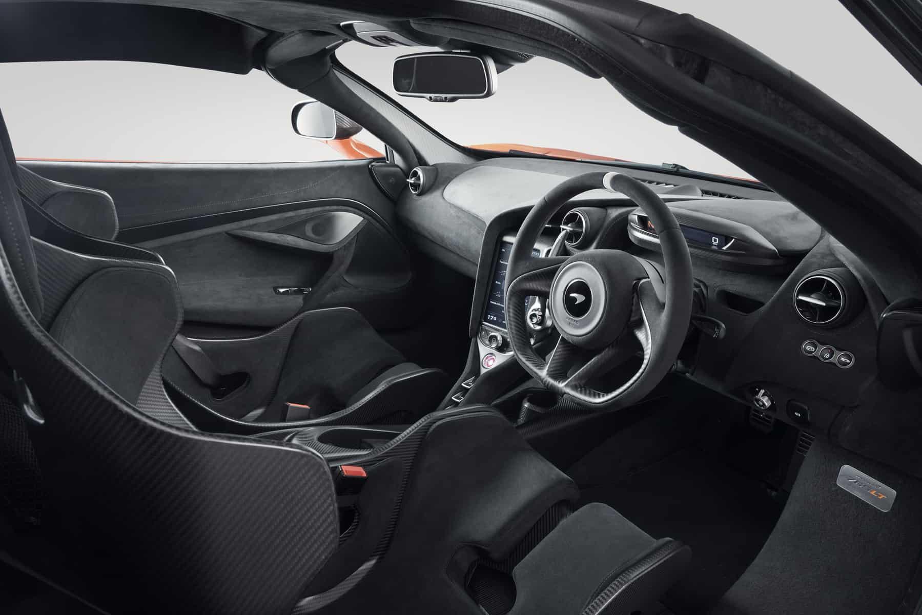McLaren 765LT 17
