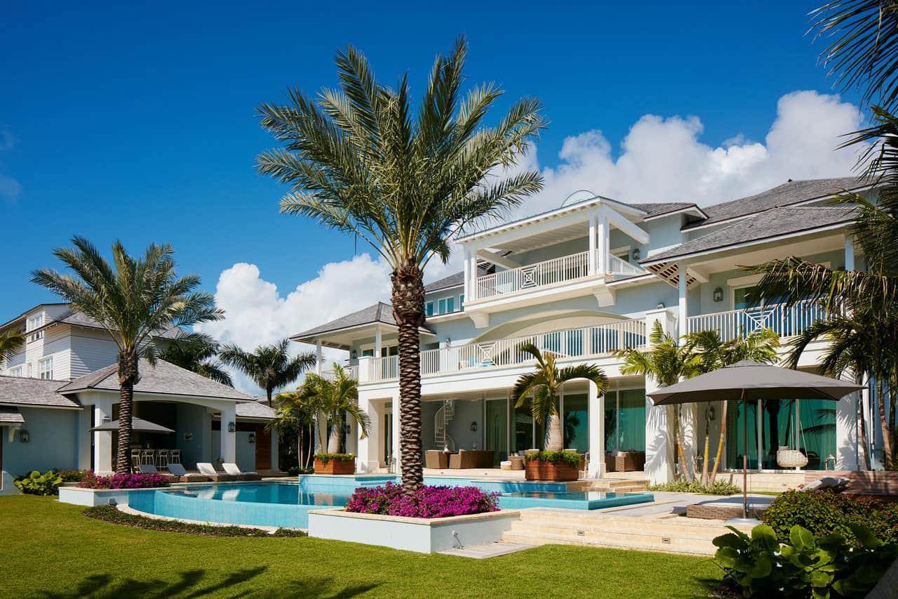 luxury home size