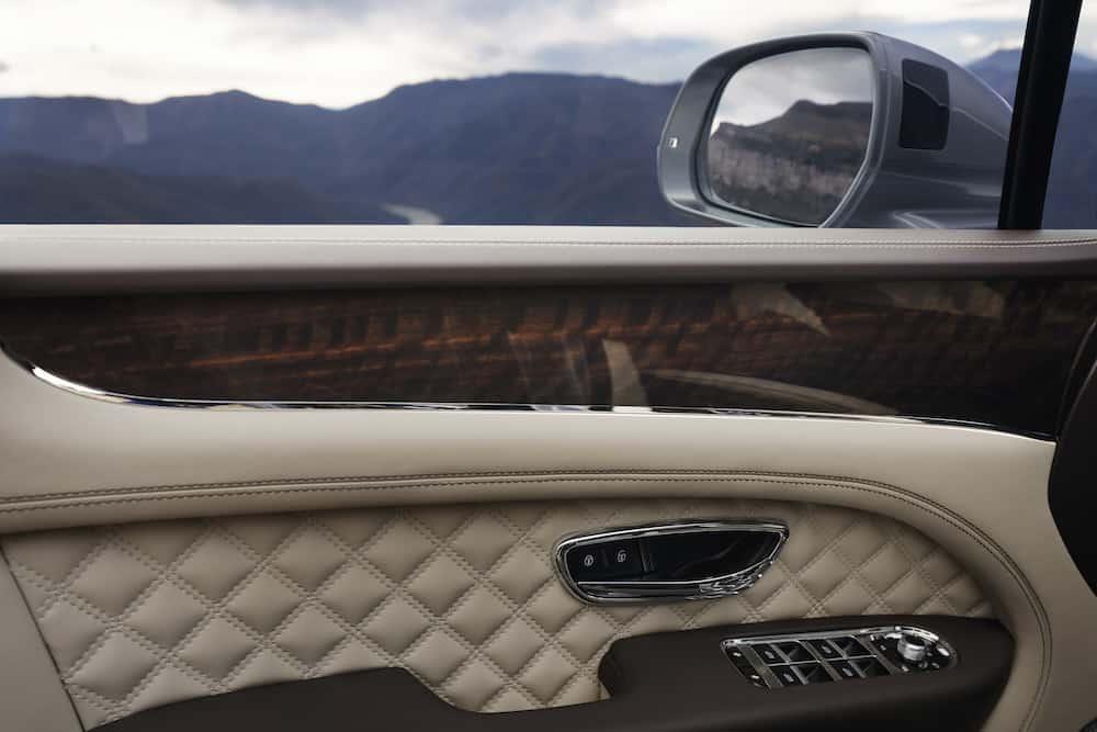 Bentley Bentayga Facelift 12