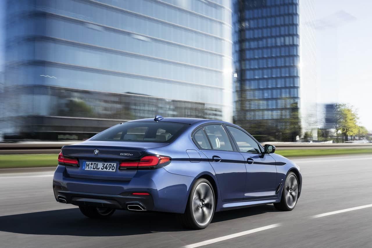 2020 BMW 5-Series2