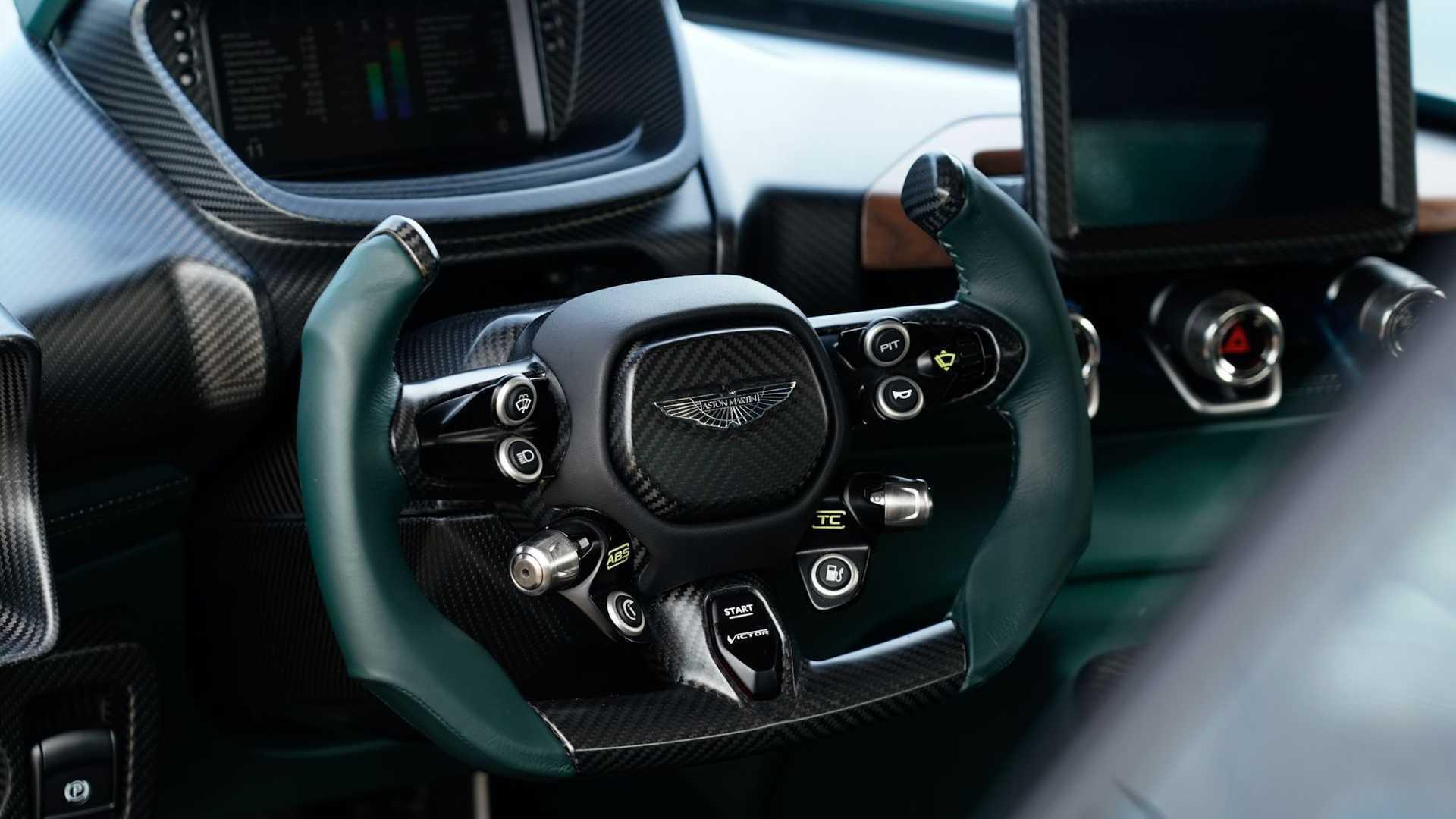 Aston Martin Victor 15