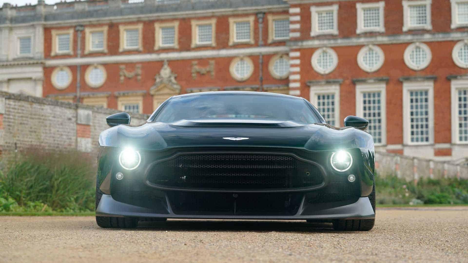 Aston Martin Victor 8