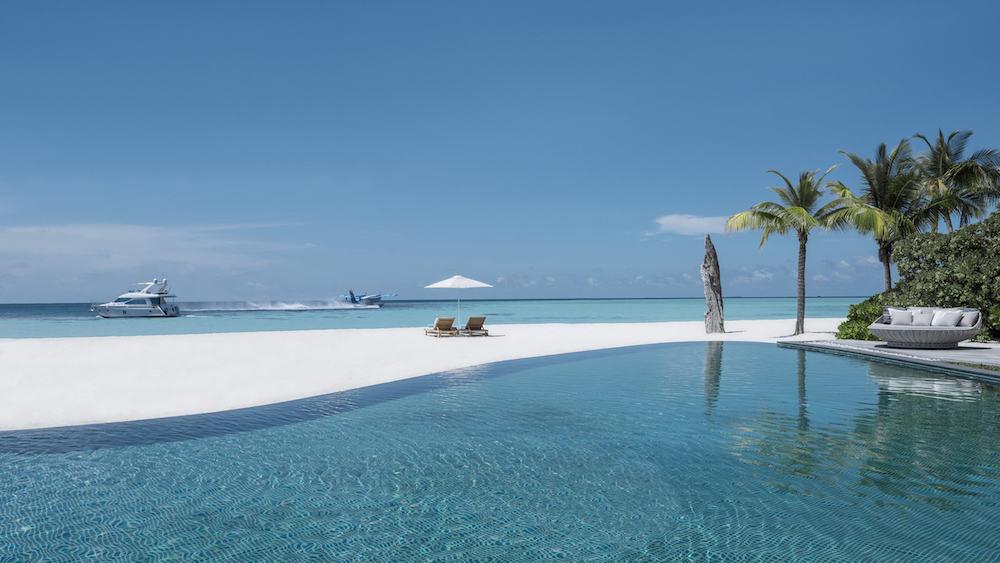 Four Seasons Private Island Maldives at Voavah 8