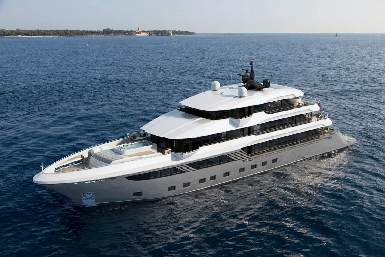 Majesty 175 yacht