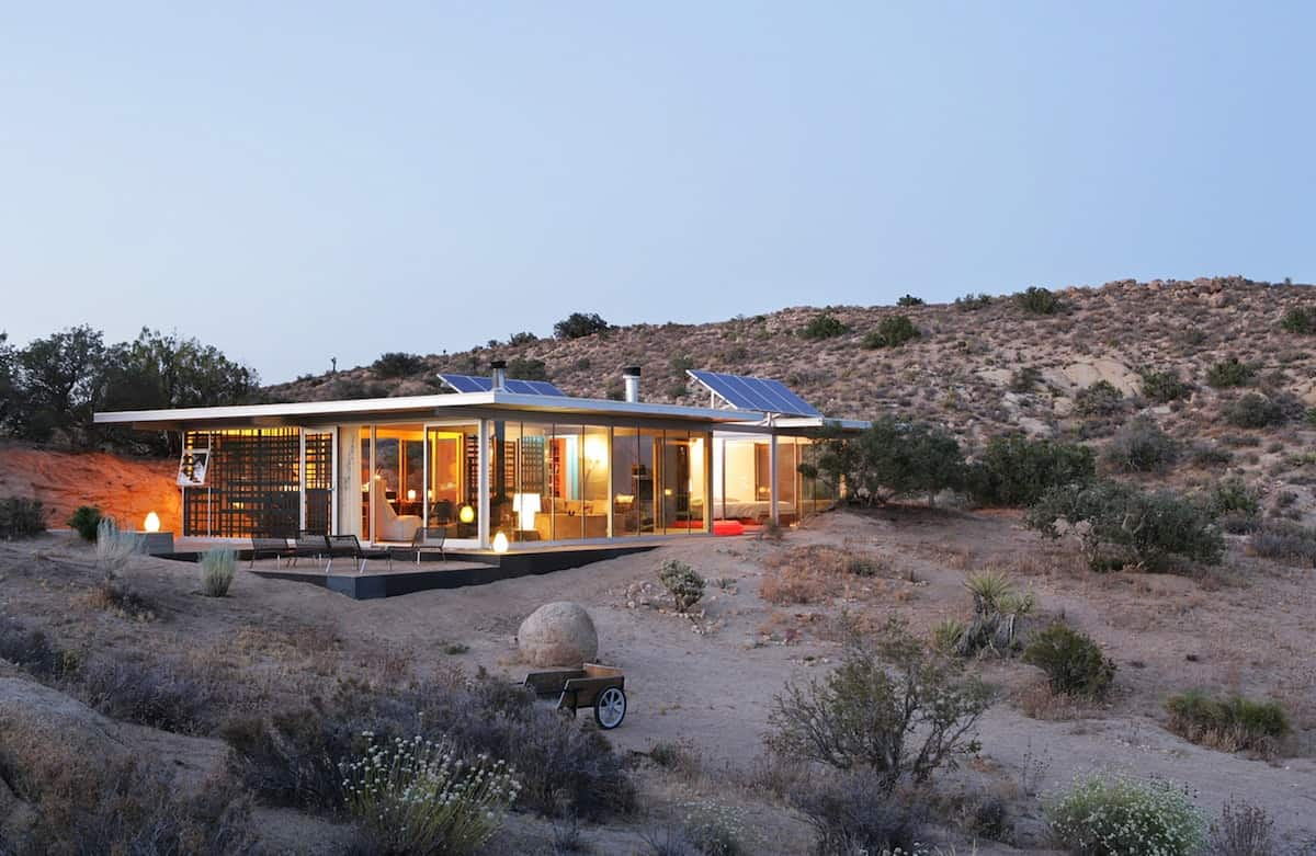 Off-grid ItHouse Yucca Valley 1