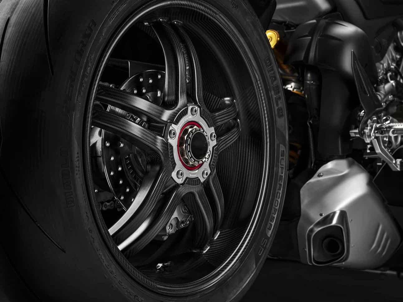 Ducati Panigale V4 SP 15