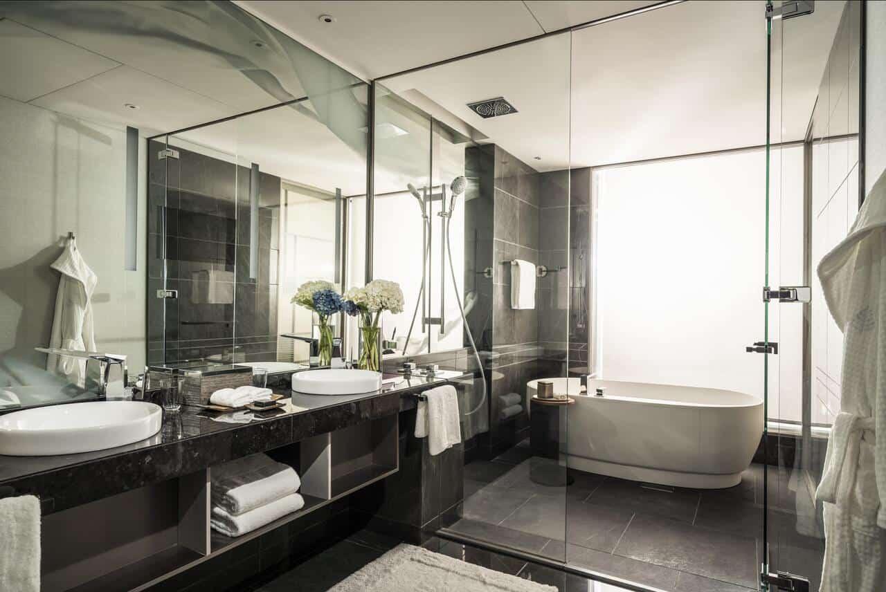 Four Seasons Hotel Tokyo at Otemachi 17