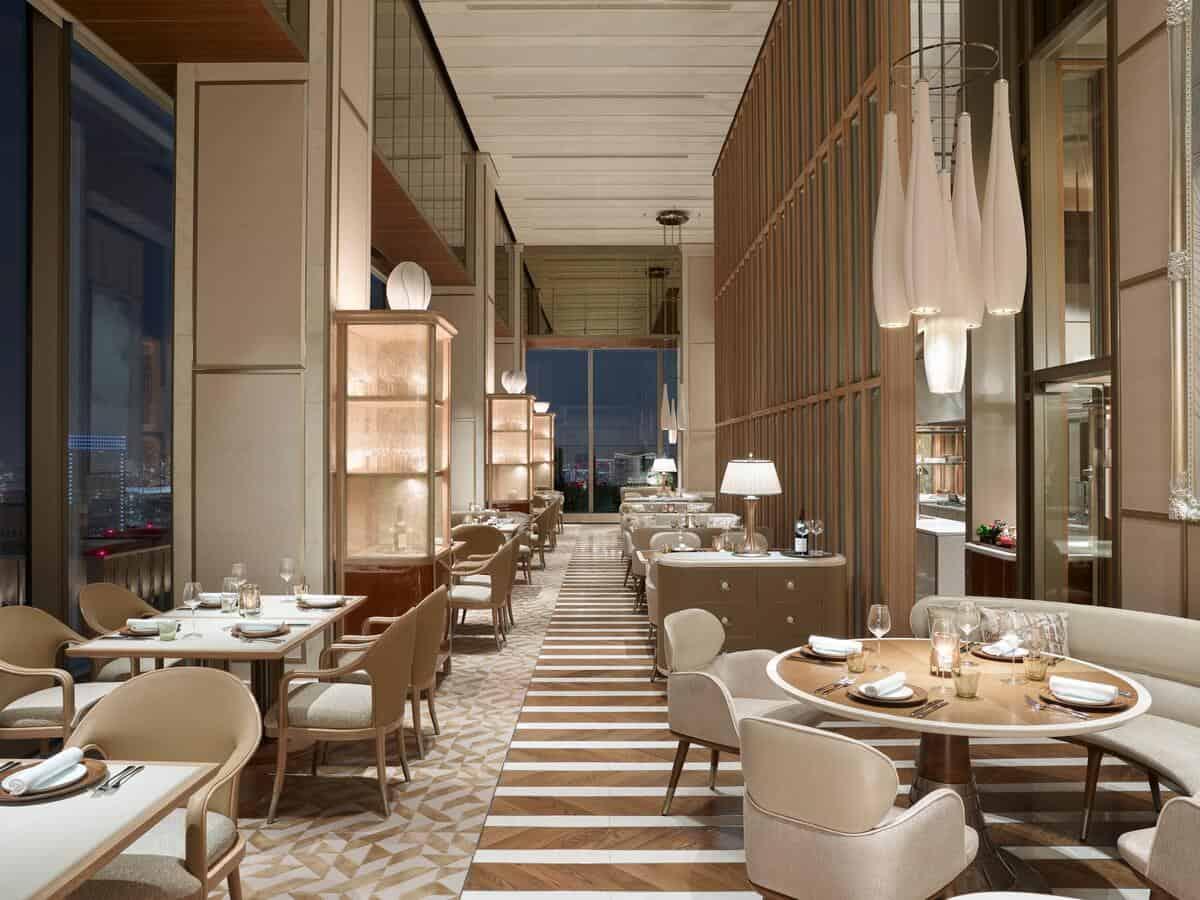 Four Seasons Hotel Tokyo at Otemachi 6