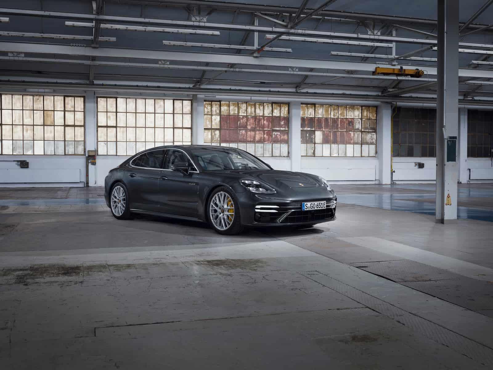 Porsche Panamera Turbo S E-Hybrid 9
