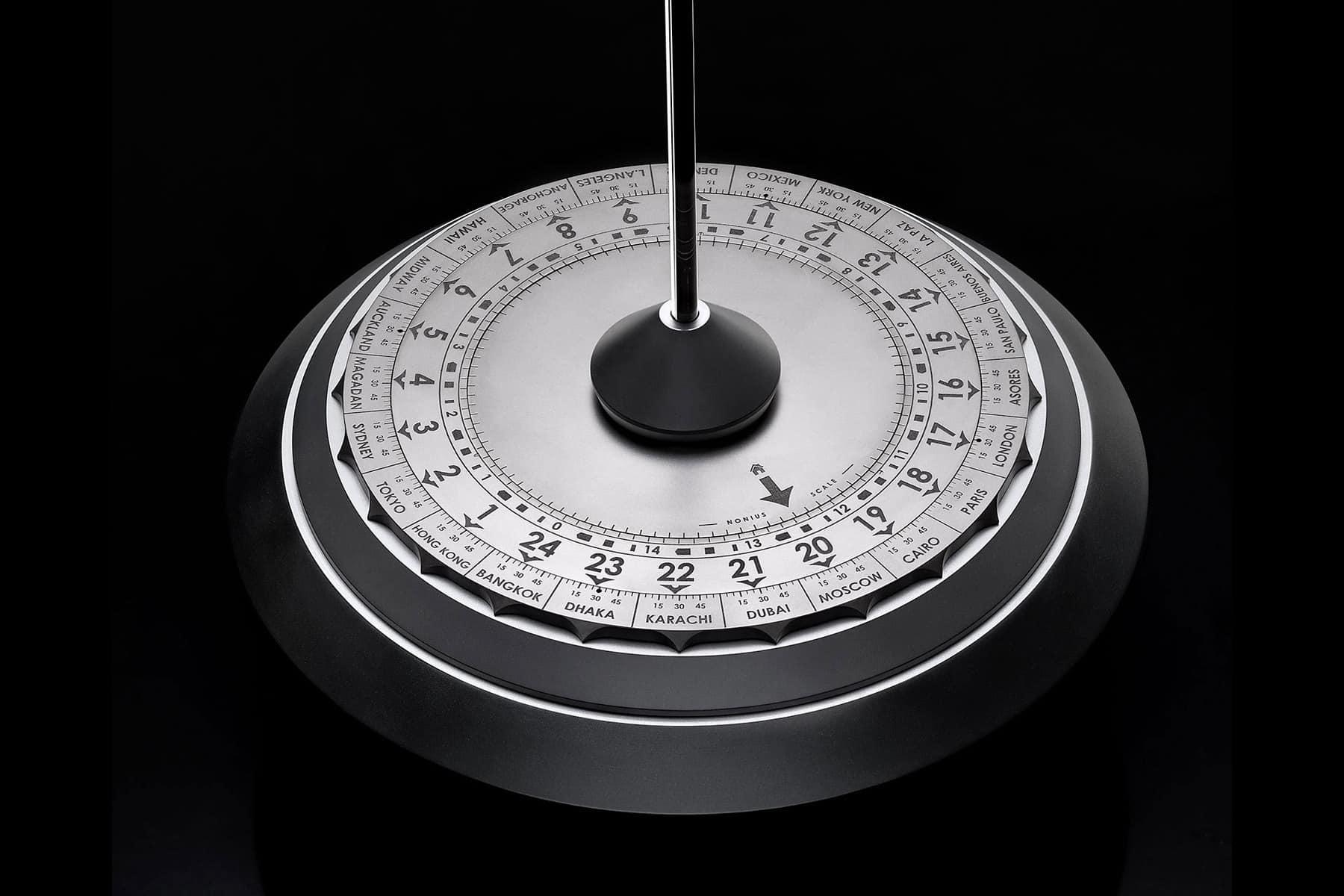Anton Suhanov Lotus clock 5