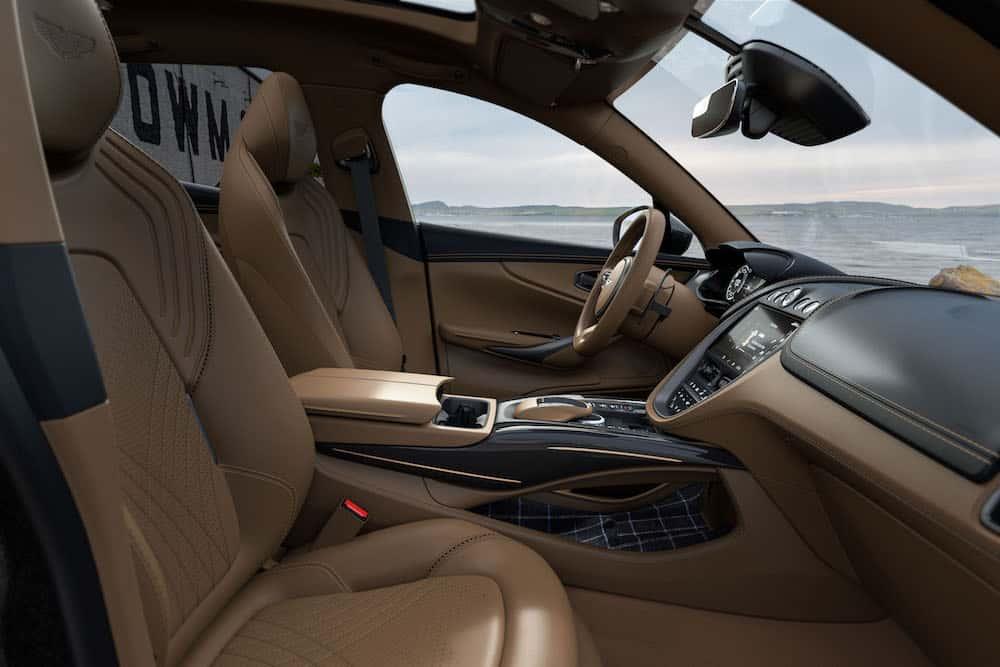 Aston Martin DBX Bowmore Edition 12